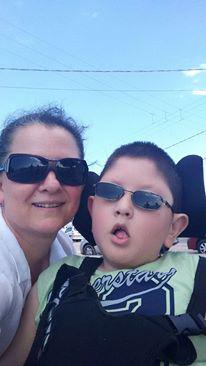Marlene é mãe do pequeno Marcelo, 10 anos, que possui a doença Hidrocefalia