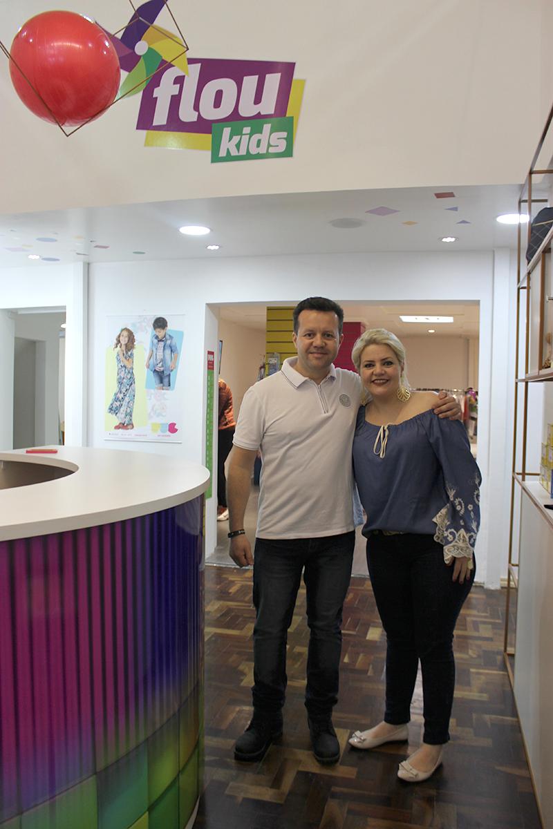 Os irmãos e sócios da Flou Kids: Cleverson Précoma Portes e Cassiana Précoma Portes