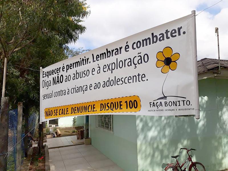 Fachada da Escola Municipal Odemira Cunha na Vila Amaral - Campanha junto da comunidade. (Fotos: Alexandre Müller/Gazeta Informativa e SEMEC)