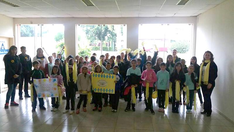 Escola Municipal Dr. Paulo Fortes - Centro - atividades desenvolvidas em sala de aula e participação na passeata que foi cancelada devido a chuva