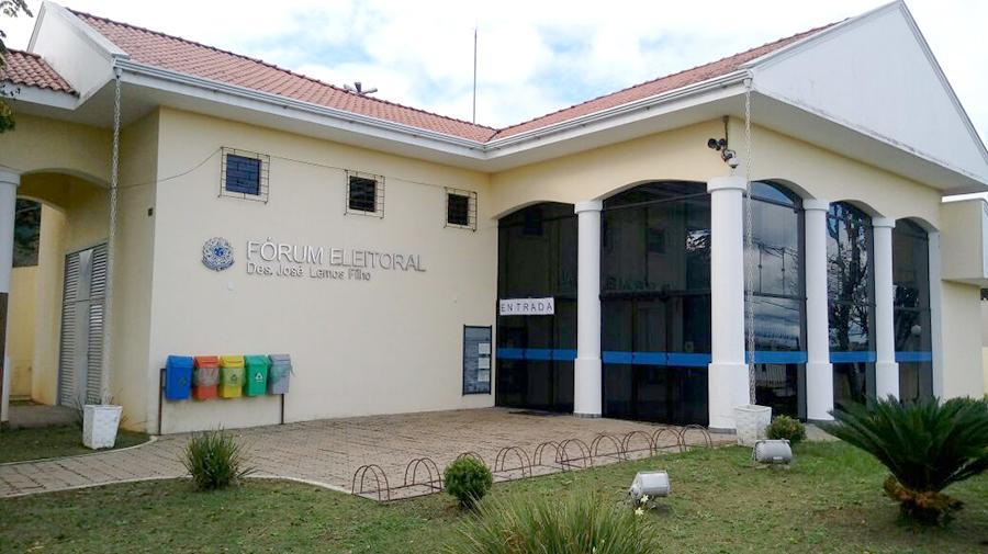 O Fórum Eleitoral de São Mateus do Sul está localizado na rua Dom Pedro II, nº 785, Centro, com expediente de segunda a sexta-feira, das 12 às 19h. Telefone: (42) 3532-1056. (Foto: Daiana Polak/Gazeta Informativa)