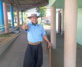 Eleitor há 61 anos, o ex-secretário de prédio  Otávio Amaral acompanha o dia todo de votação