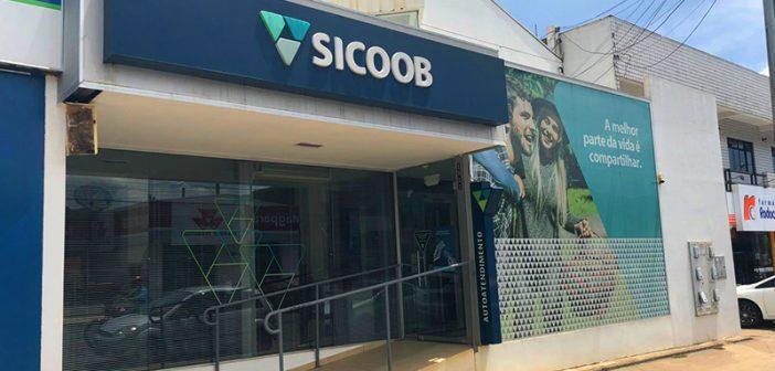 """Sicoob realiza o sorteio da promoção """"Seu Cupom Vale Prêmios – Viaje de Férias com seu Sicoobcard"""""""